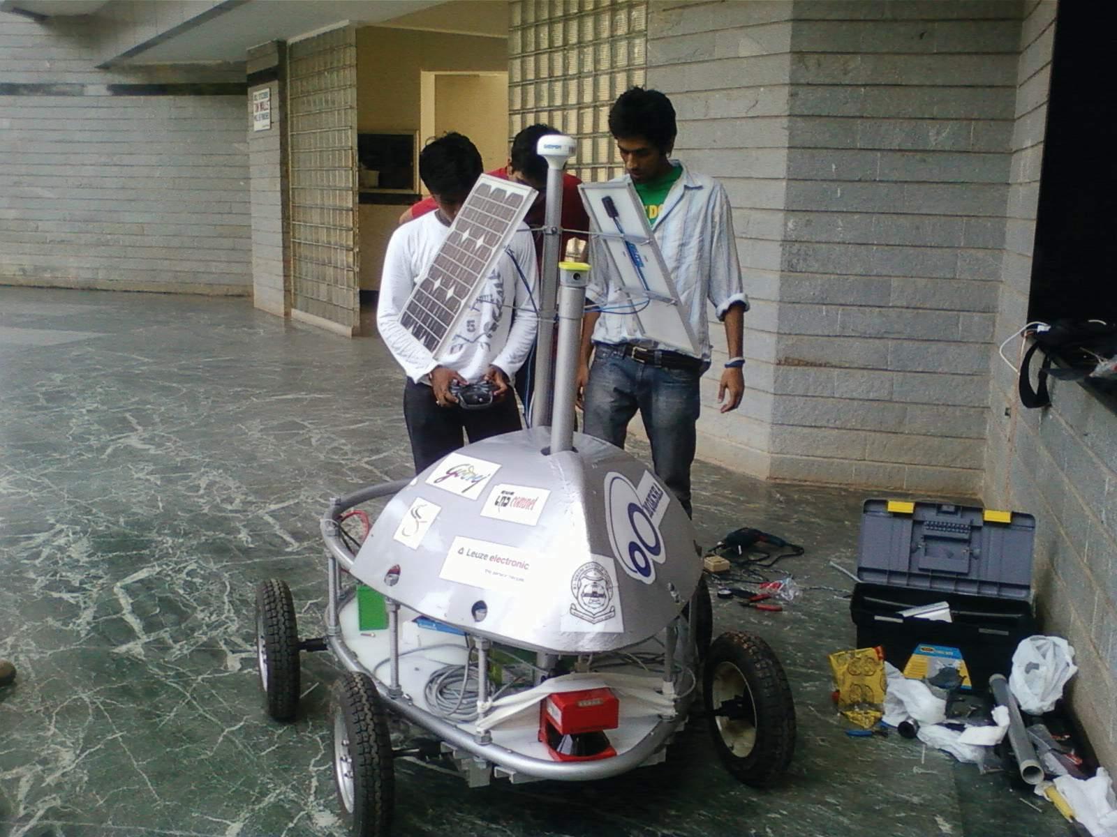 The RoboMSR team