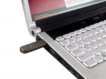 USB-wireless-transmitter-w-laptop